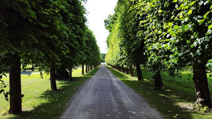 Drottningholm Palace Stockholm gardens.jpg