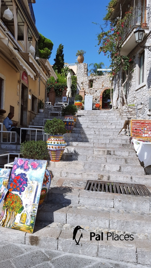 Optimized-street_art_taormina